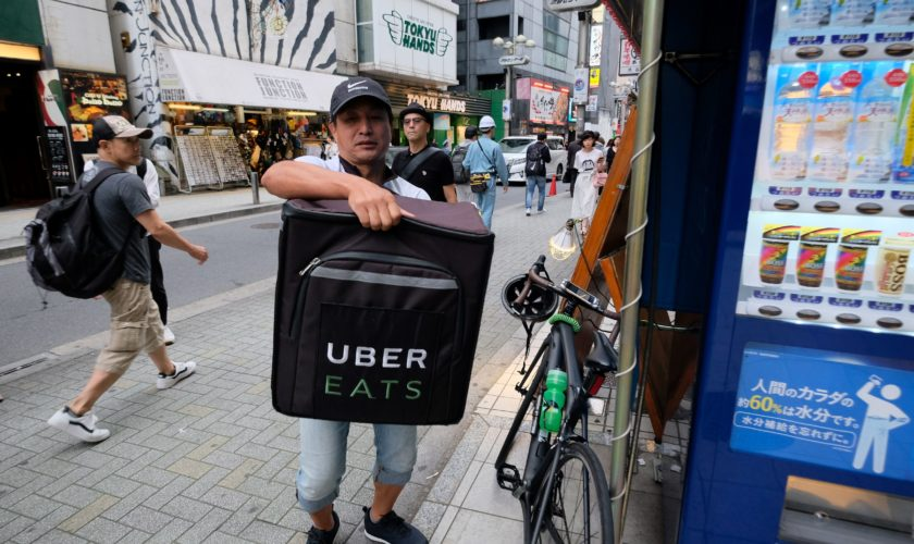 JAPAN-SHARING-ECONOMY-UBER-AIRBNB