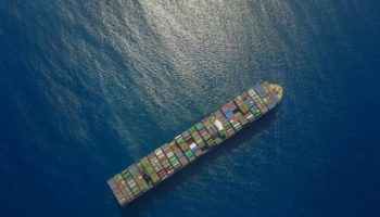 container-ship-2856899_1280