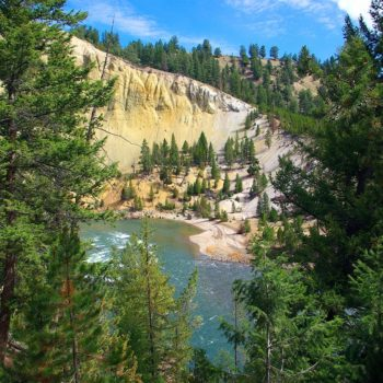 view-of-yellowstone-river-3809909_1280