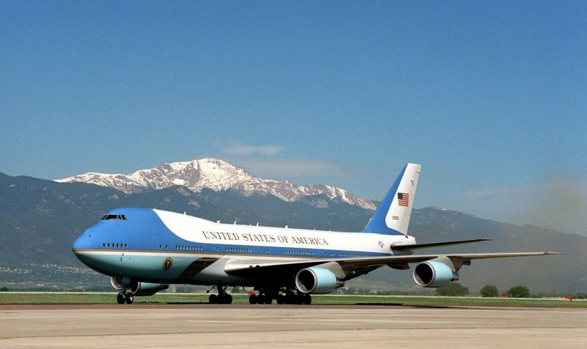 air-force-one-658419_1920